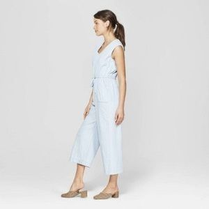Universal Thread, deep vee wide leg cropped romper
